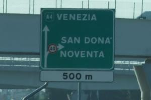 [Chiusura autostrada A4 per lavori di manutenzione]