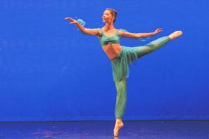 [La ballerina Giorgia Segatto premiata con una borsa di studio per un corso alla Joffrey Ballet School di New York]