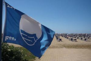 [Bibione: la bandiera blu sventolerà per il 28° anno consecutivo]