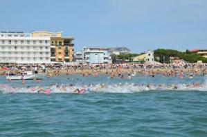 """[In 900 nel weekend a Caorle per """"Nuotiamo Insieme""""]"""