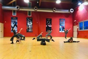 [�Ballando online�: successi per le ballerine della Dance Theatre School]